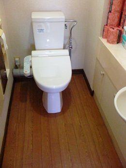 交換して新しくなったトイレ